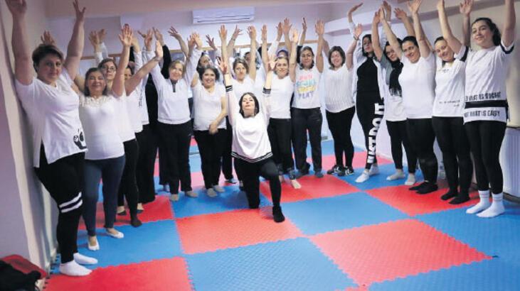 Her gün 180 kadın sporla formda kalıyor