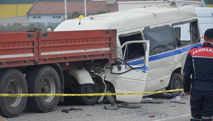 Manisa'da korkunç kaza! İşçileri taşıyordu...