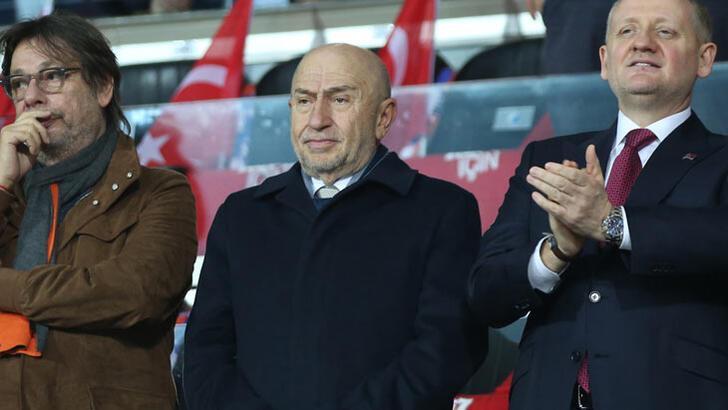 """Son dakika... TFF Başkanı Nihat Özdemir: """"Liglerin ertelenmesi söz konusu değildir"""""""