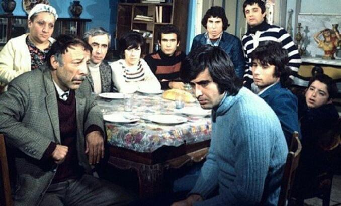 Bizim Aile filmi konusu ve oyuncu kadrosu! Bizim Aile filmi kaç yılında çekildi?