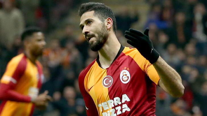 Galatasaray'da Falcao geldi, Emre Akbaba gitti!