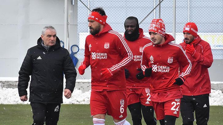 Sivassporlu futbolculara izin verildi