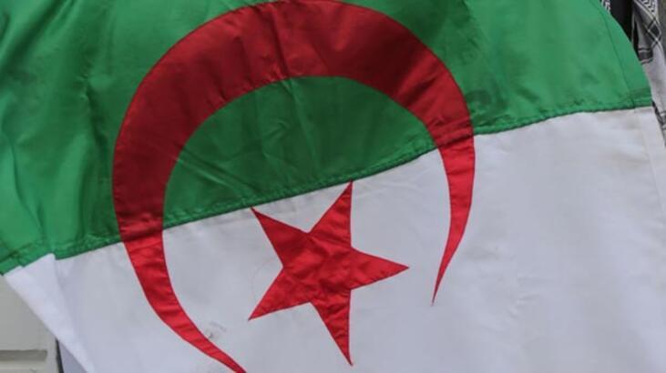 Cezayir'de corona virüsle mücadelede alarm seviyesi en üst düzeye çıkarıldı