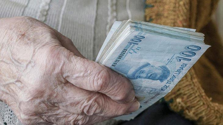 Emekli maaşları eve kadar gelecek