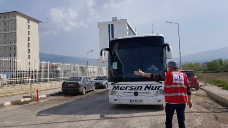KKTC'den getirilen 143 Türk vatandaşı, İskenderun'da karantinaya alındı