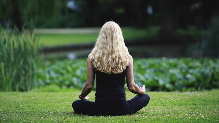 #EvdeKal meditasyon yap! Yeni başlayanlar için adım adım meditasyon