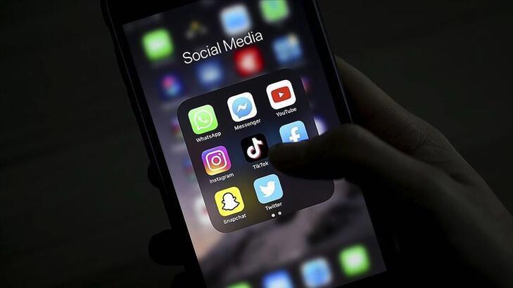 Uzmanlardan 'Sosyal medyadaki koronavirüs paylaşımlarında yaşlıları incitmeyin' uyarısı