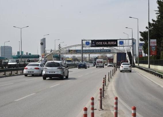 Bursa'da elektronik tabelalarla 'Evde Kal' çağrısı