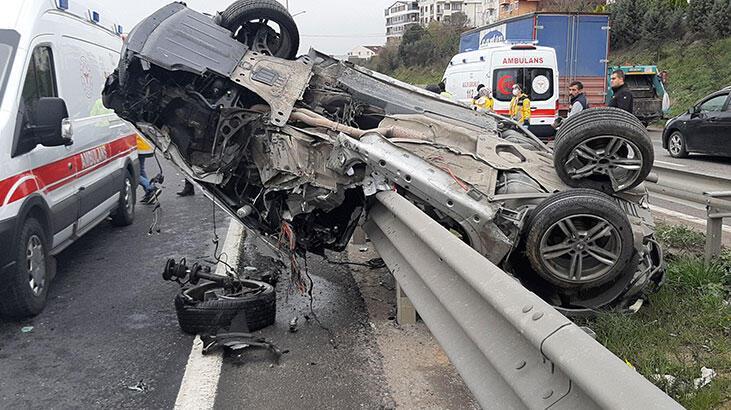 Bariyerlere çarpan otomobilin sürücüsü ağır yaralandı!