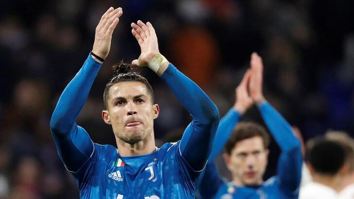 """Cristiano Ronaldo'dan """"evde kal"""" çağrısı"""