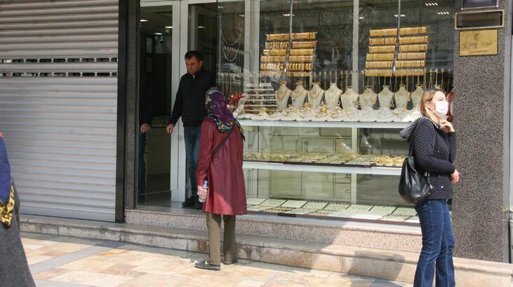 Altın fiyatları yükselince kuyumcular iş yerlerini açmaya başladı