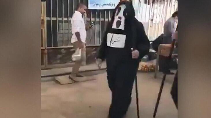 İran'da sokağa çıkma yasağını delenlere Azrail kostümüyle corona virüsü uyarısı