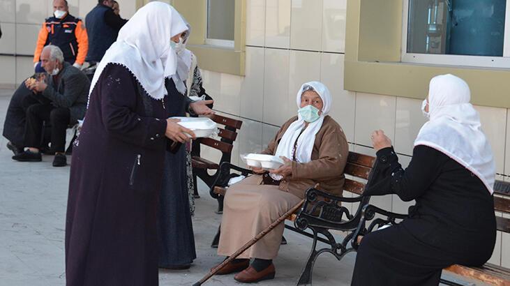 Ankara'da karantina süreleri dolan 22 umre ziyaretçisi Erzurum'da