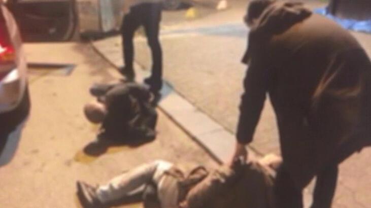 Kadıköy'de direksiyon çalan maskeli hırsızlar kamerada