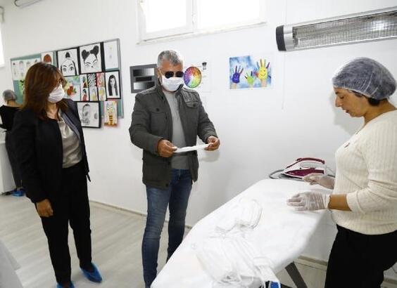 Manavgat Belediyesi'nden vatandaşa maske