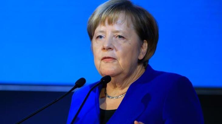 Merkel'e göre AB, kuruluşundan bu yana en büyük sınavla karşı karşıya