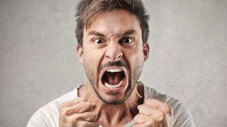 Küfür orucu bozar mı? Oruçluyken küfür etmek, küfürlü konuşmak orucu bozar mı? Diyanet açıkladı