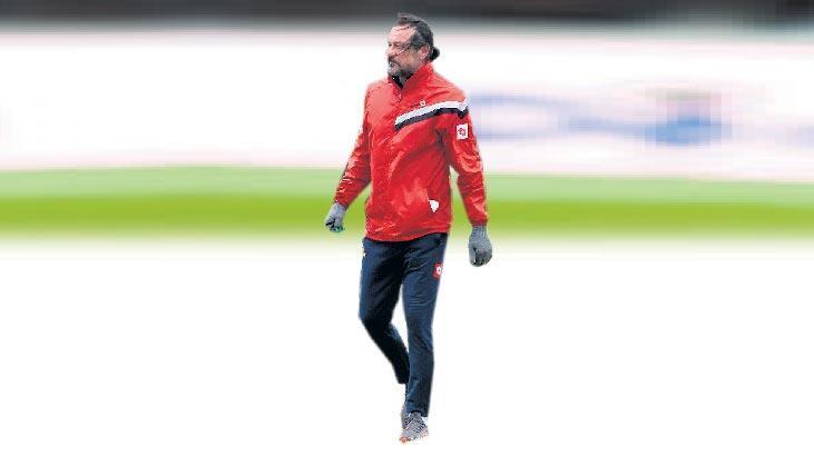 Balıkesirspor teknik direktörü Yusuf Şimşek Milliyet Ege'ye samimi açıklamalarda bulundu: Taraftarımızı ve futbolu özledik
