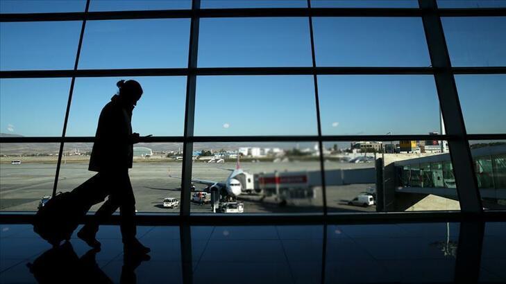 Havalimanları yolcu sayısı azaldı