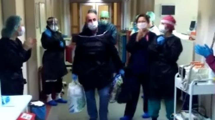 Hastane çalışanı coronayı yendi hastaneden alkışlarla uğurlandı