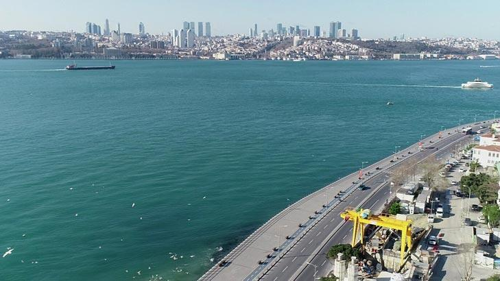 İstanbul Boğazı turkuaza büründü!