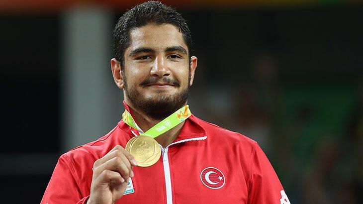 """Olimpiyat şampiyonu Taha Akgül, evde geçen """"corona günleri""""ni  anlattı"""