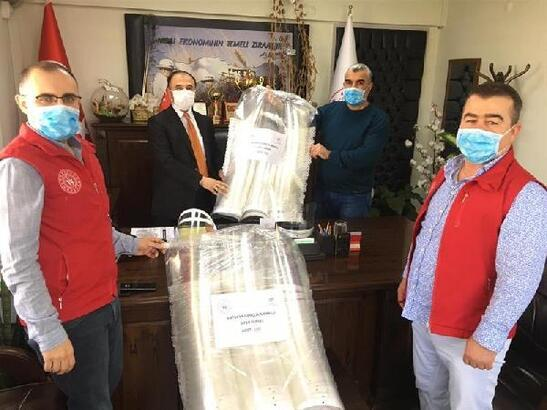 Hatay'da gıda denetçileri ve veteriner hekimlere siperlikli maske