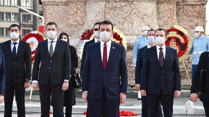Taksim Cumhuriyet Anıtı'nda 23 Nisan töreni