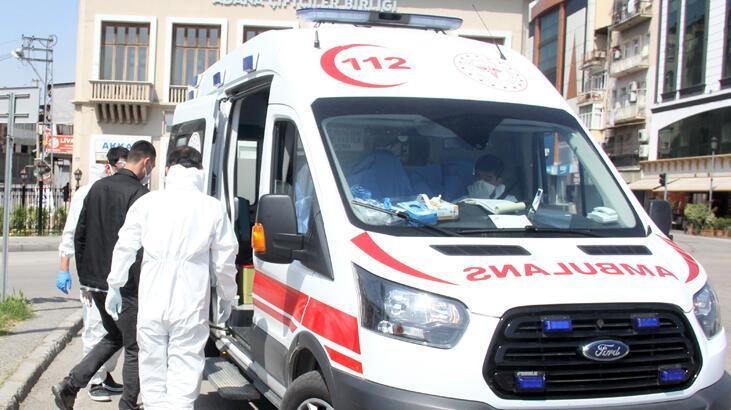 Corona virüs şüphesiyle sokağa çıktı, ambulansla hastaneye gitti
