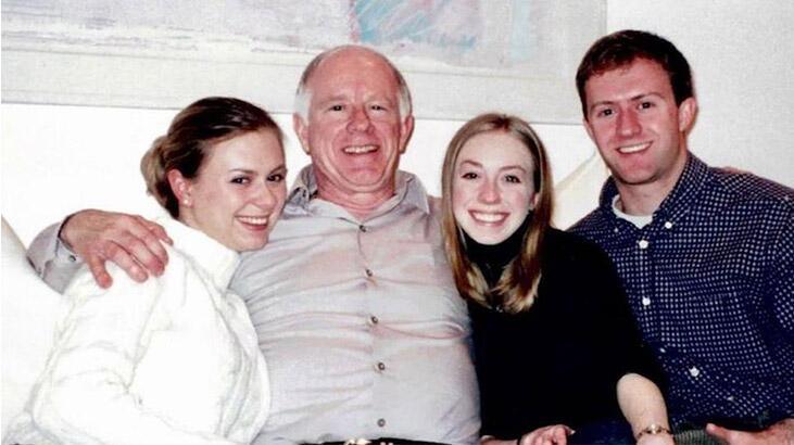 4 kardeş, corona virüs hastası babalarını 30 saatlik telefon görüşmesiyle ölüme uğurladı