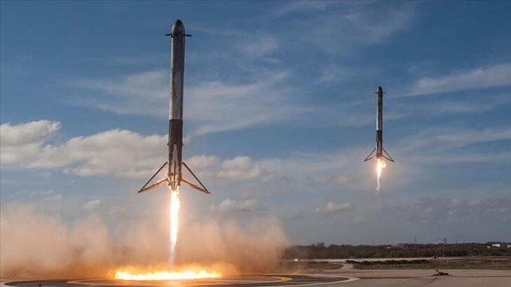 SpaceX internet uydularını uzaya fırlattı!