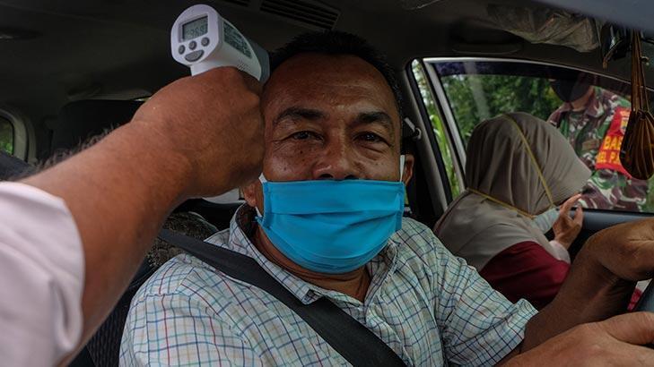 Endonezya'da corona nedeniyle tüm seyahatler yasaklandı!