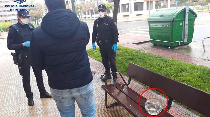 """İspanya'da sokağa çıkma yasağını ihlal eden adam: """"Balığımı gezdiriyordum"""""""