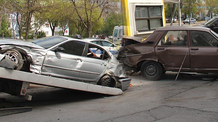 Otomobilin çarptığı yaya feci şekilde can verdi!