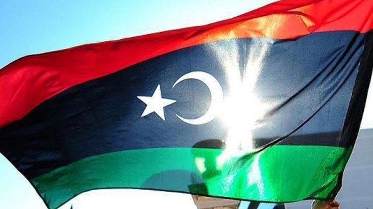 Libya'da hükümet güçlerinden Vatiyye Hava Üssü'ne hava saldırısı