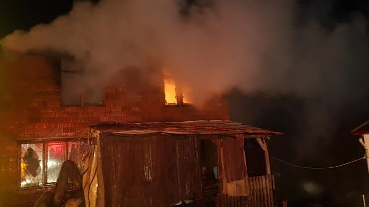 Son dakika haberi: Sakarya'da yangın çıkan evde 9 yaşındaki çocuk öldü