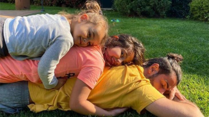 Volkan Demirel kızlarıyla pozunu paylaştı