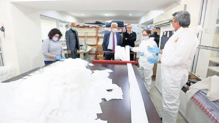 300 bin maske dağıttı