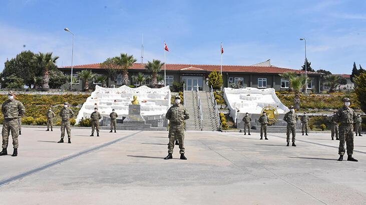 İzmir'deki askeri birliklerde virüs tedbirleri titizlikle uygulanıyor