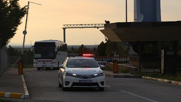 Corona virüs tedbirleri kapsamında Rusya'dan 98 Türk vatandaşı uçakla  Nevşehir'e getirildi