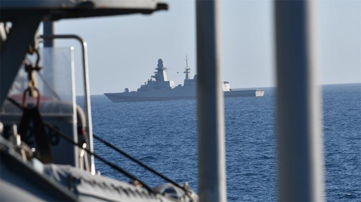İyon Denizi'ne düşmüştü... Kanada helikopterini arama çalışmaları  sürüyor