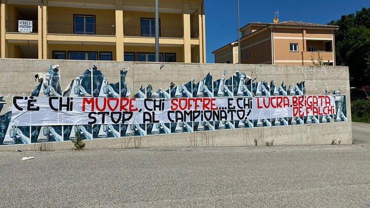 Roma taraftarından isyan: Ligi durdurun