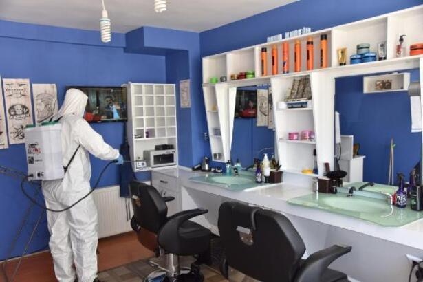 Bilecik'te berber ve kuaförler dezenfekte edildi