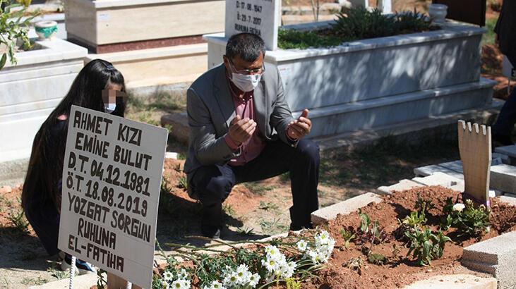 Emine Bulut'un kızı, annesinin mezarını ziyaret etti