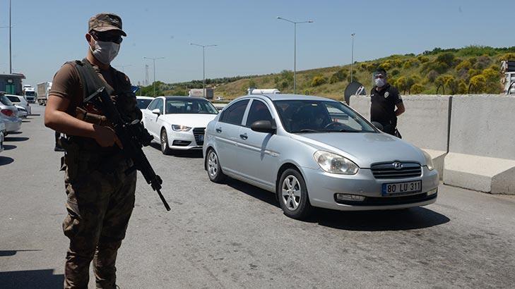 Adana polisi kent girişinde denetimlerini sürdürüyor!
