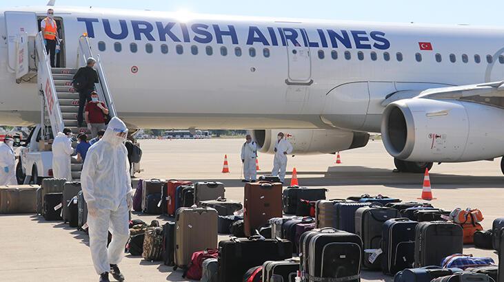 Irak'taki 180 Türk Adana'ya getirildi