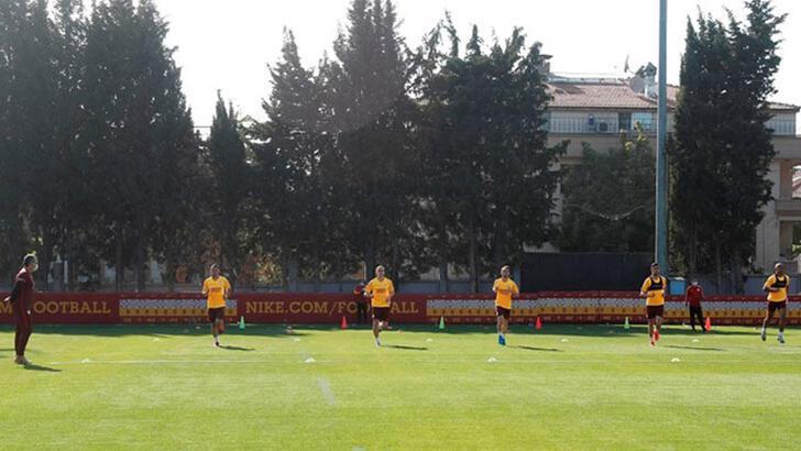 Son dakika | Galatasaray'da bir kişinin koronavirüs test sonucu pozitif çıktı!