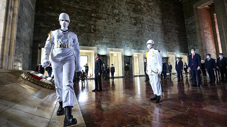 Son dakika! Kurtuluş yolculuğunun 101. yılı! Anıtkabir'de 19 Mayıs 1919 töreni başladı...