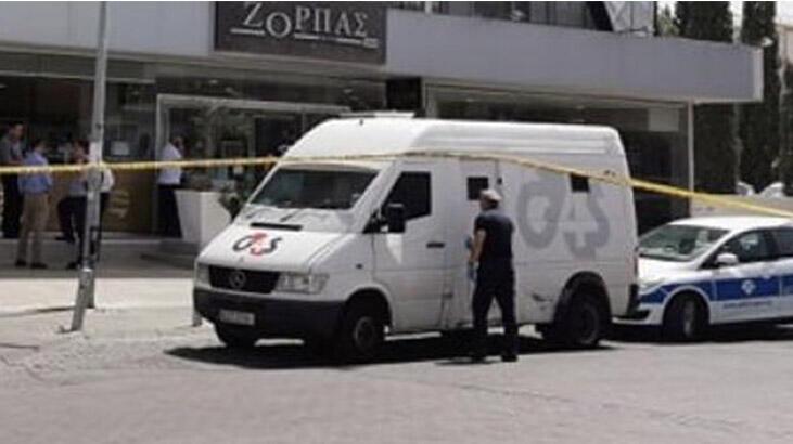 Güney Kıbrıs'ta para nakil aracına baltalı soygun
