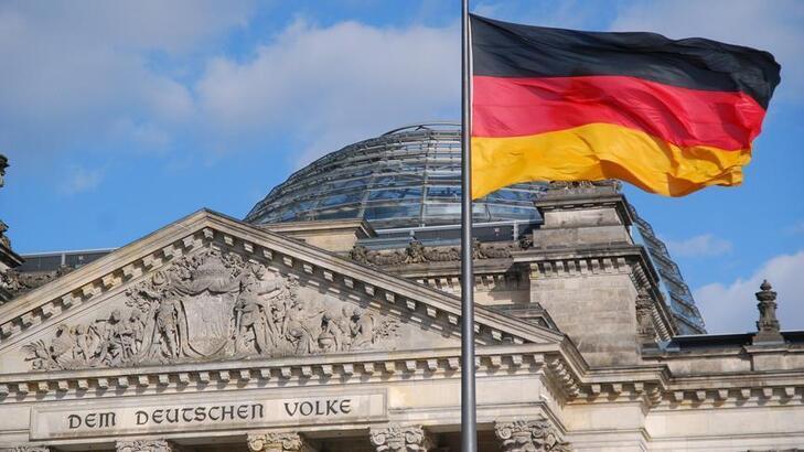 Almanya'da iş dünyası ekonomide kademeli toparlanma bekliyor
